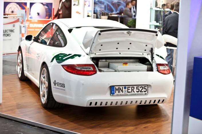 eCarTec Messe Elektromobilität 2011 - Porsche mit Elektroantrieb
