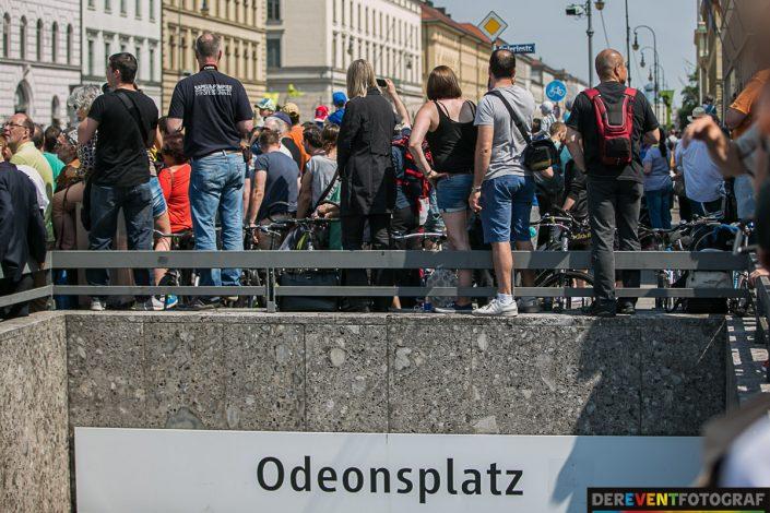 Sehen - und nicht gesehen werden... nicht ungefährlich - Firetage in München